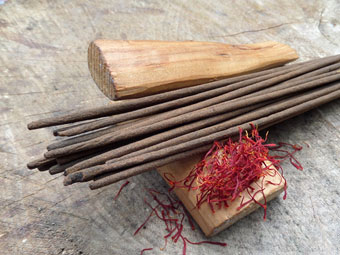 Absolute Sandalwood & Saffron Incense