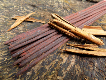Absolute Cinnamon Incense