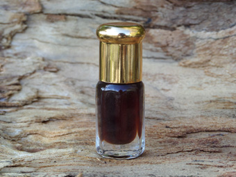 Organic Assam Agarwood Oil