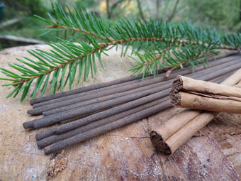 Ultimate Pine & Cinnamon Incense