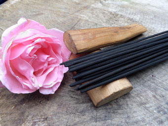 Absolute Rose & Sandalwood Incense