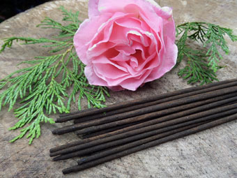 Absolute Rose & Cedarwood Incense